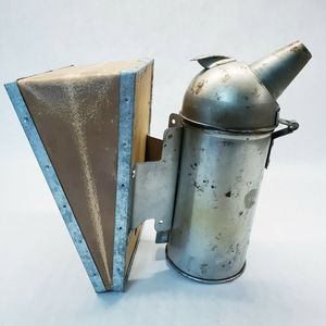 Vintage BEE HIVE SMOKER Nice Patina Leather Bellow